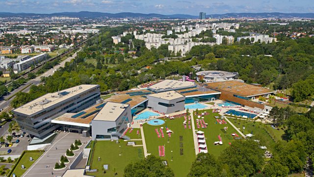 Panoramaansicht Therme Wien