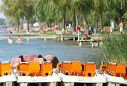 Boote im Strandbad Neufelder See