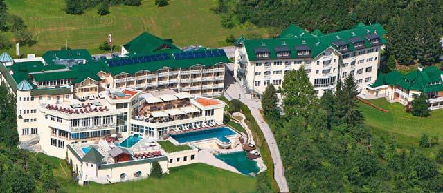 Außenansicht Flugbildaufnahme Familienhotel Dilly
