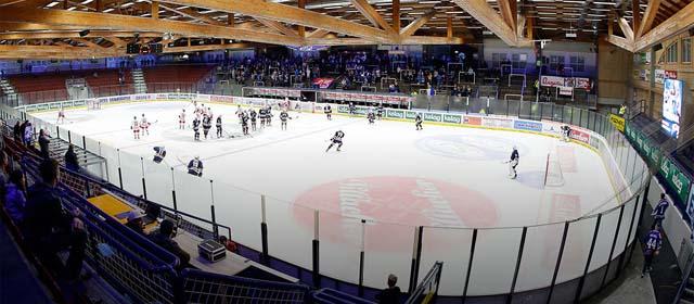 Luftbildaufnahmeder Eishalle Völkermarkt im Winter