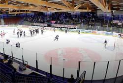 Eishockeymatch in der Stadthalle Villach