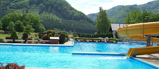 Pool im Freibad Ötscherland in Gaming