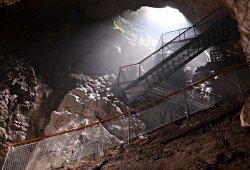 Stiegen im Hohen Dom in der Ötscher Tropfsteinhöhle