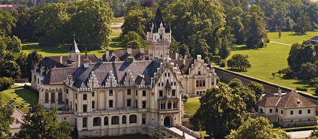 Schloss Grafenegg ist ein romantisches Schloss des Historismus