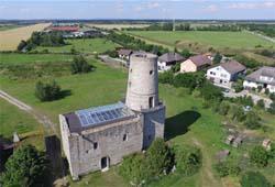 Luftbild der Burgruine Markgrafneusiedl