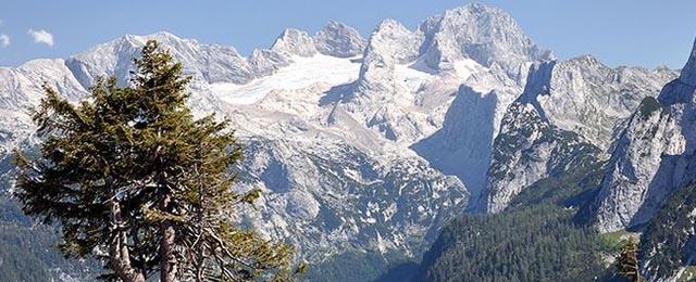 Blick vom Gausaukamm auf den Dachstein samt Gletscher