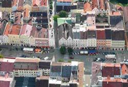 Luftbildaufnahme vom Zentrum von Braunau am Inn