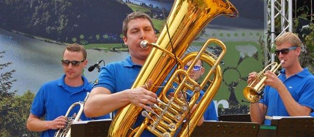 Musiker auf der LT1 Bühne bei der Schlögener Schlinge in Haibach