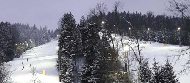 Skilift Eberschwang bei Flutlicht