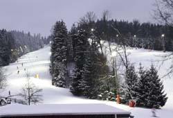 /oberoesterreich/ried-innkreis/winter/skilift-eberschwang-innviertel-flutlicht