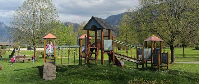 Kinderspielplatz in Unterach