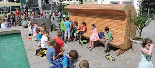 Kinder auf der Via Scardinga in Schärding