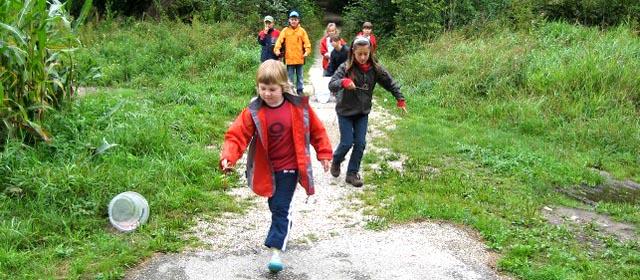 Kinder bei der Waldolympiade in Puchheim in der Au