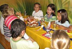tipps zum thema kindergeburtstag feiern das lieben alle kinder rawuza hat die besten tipps. Black Bedroom Furniture Sets. Home Design Ideas