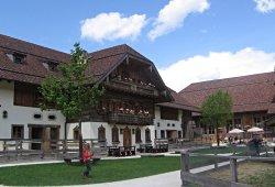 /salzburg/salzburg-land/tierpark-freizeitpark/gut-aiderbichl-henndorf