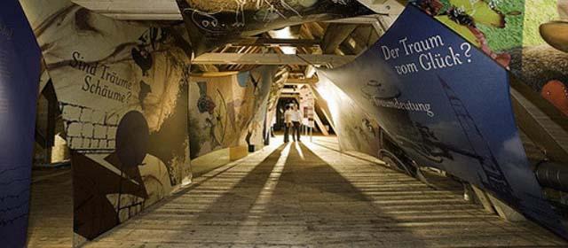 In der Erlebnisausstellung im Kräftereich St. Jakob