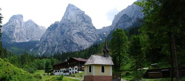 Bergpanorama im Kaisertal bei Kufstein