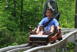 Familien Coaster Schneisenflitzer der Bergerlebnispark Högsee