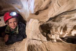 Kinder in der Spannagelhöhle am Hintertuxer Gletscher