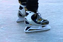 Eislaufen im Aktivpark Montafon