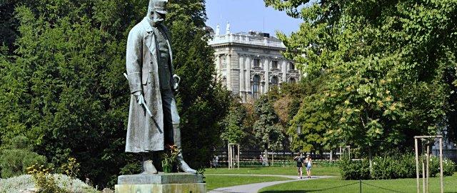 Kaiser-Denkmal im Burggarten Wien