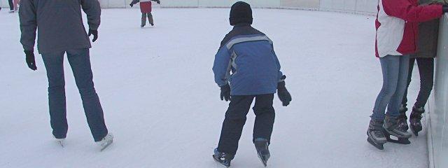 Eislaufen am Eisring Süd in Wien