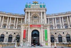 /wien/wien-1/museum-burgen/oesterreichische-nationalbibliothek-wien