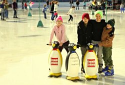 Kinder beim WEV Wiener Eislaufverein